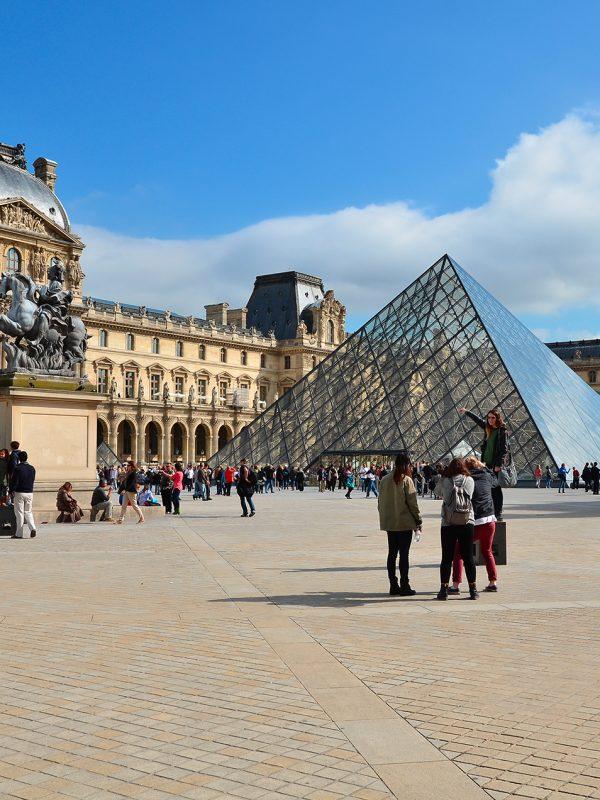 Levné letenky do Paříže