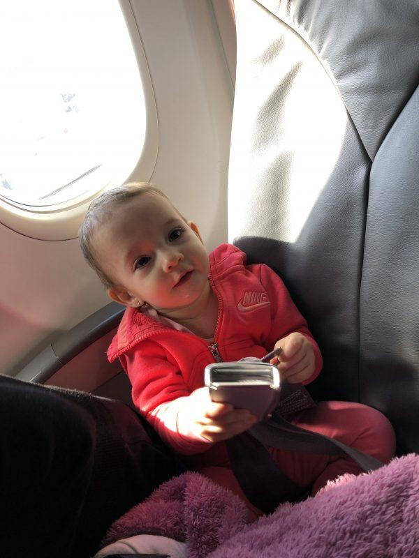 Miminko v letadle